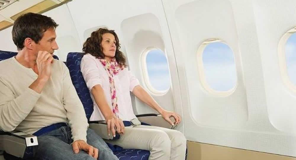 Paura di volare: i consigli per superare il blocco aereo