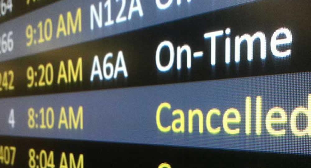 Rimborso volo cancellato: diritto del passeggero ad ottenere anche le commissioni